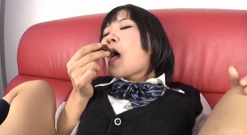 女子高生食糞オナニー画像6