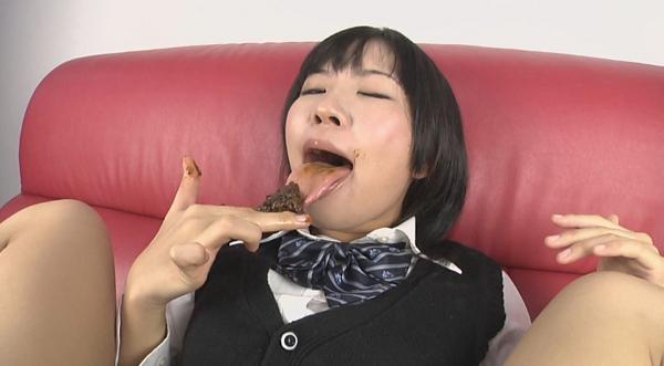 女子高生食糞オナニー画像7