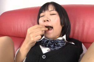 女子高生食糞オナニー画像8