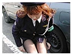 女性警察官、婦警おしっこ我慢11
