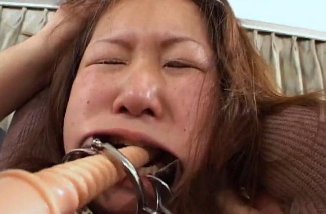 女強制嘔吐12