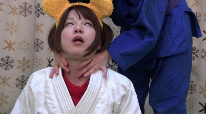 女子柔道絞め技失神17