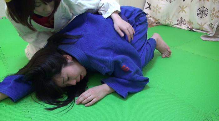 女子柔道絞め技失神9