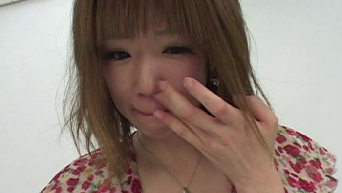 女の鼻クソほじり21