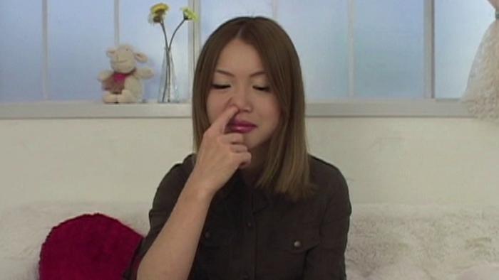女の鼻クソほじり26
