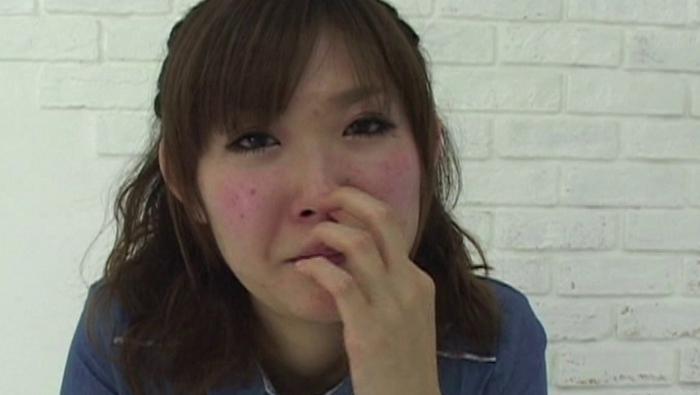 女の鼻クソほじり3