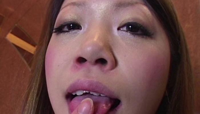 女の鼻クソほじり9