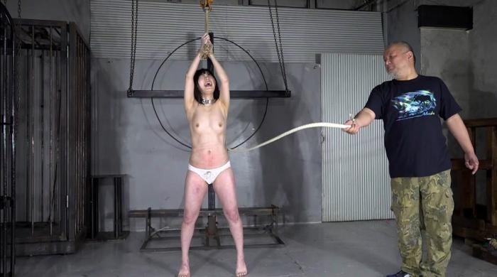 SM調教でロリ女を鞭叩く、ビンタ14
