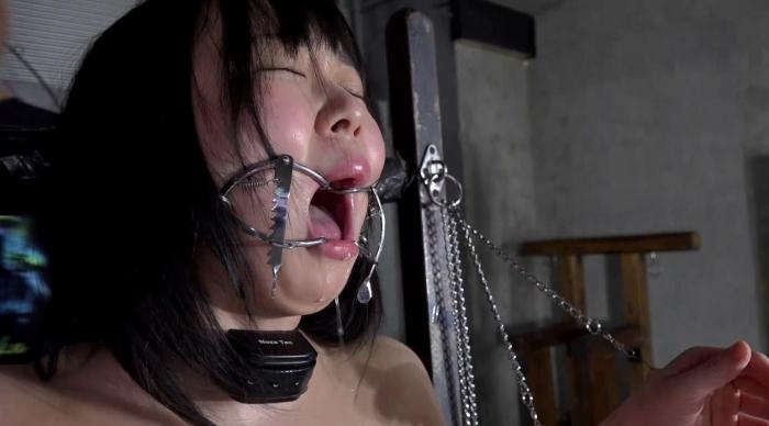 SM調教でロリ女を鞭叩く、ビンタ20