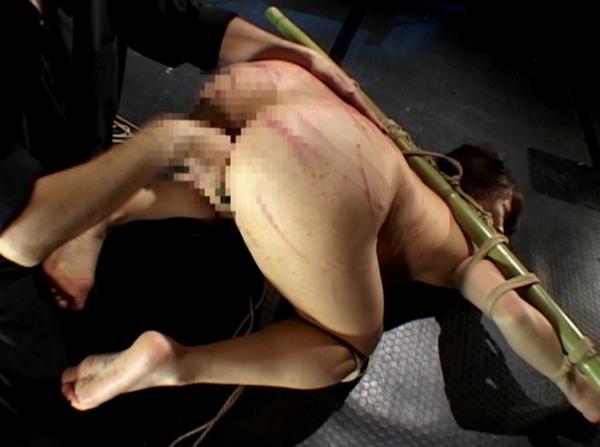 SM調教で女を鞭責め7