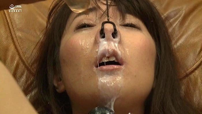鼻浣腸される女1