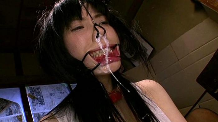 鼻浣腸される女31