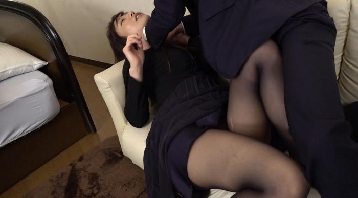 女の首を締めてセックス26