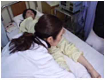 女性の泌尿器科で診察25