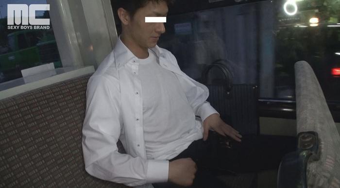 スーツ姿の人気モデル健介が帰宅中に痴漢に狙われる!26