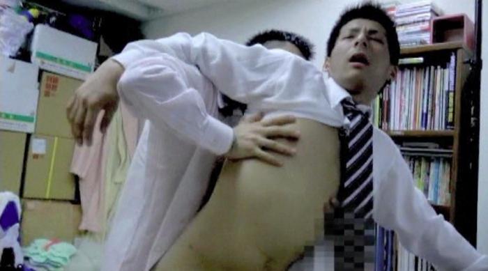 身体の一部がもっこり上場 株式会社 半裸76
