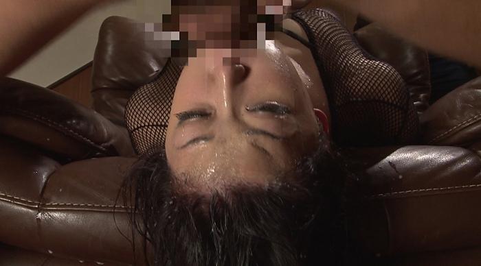 美少女涙目ゲロイラマチオ65