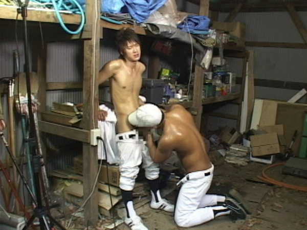 野球少年がコーチから性の野外特訓を受ける!60