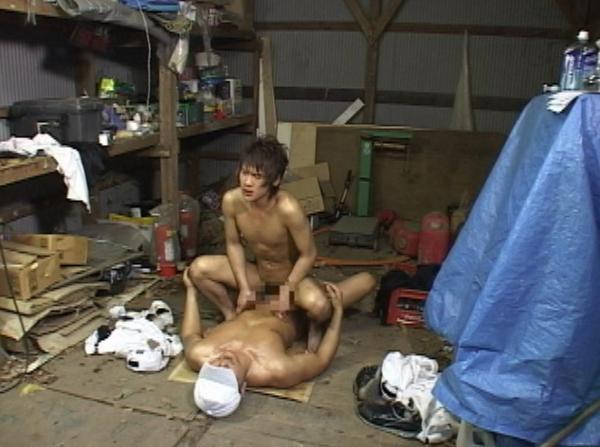 野球少年がコーチから性の野外特訓を受ける!64