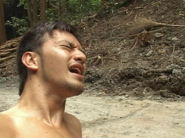 デカマラハーフの陸上青年の泥まみれの山中SEX!82