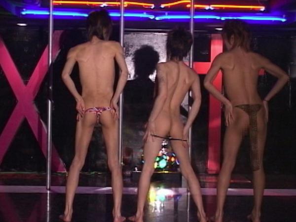 DDE2~イケメン三人によるポールダンスショー&3Pショー~37