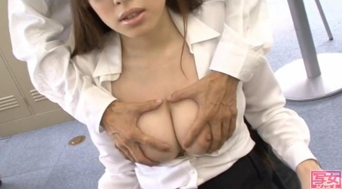 AROUND30未満 ジュン子さん 26才 地方TV局 噂の巨乳受付嬢!3