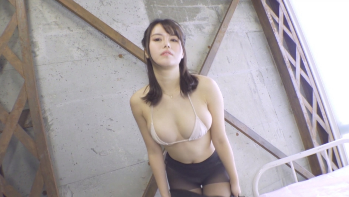 成村あかね ムチムチ~初めて脱いじゃった~16