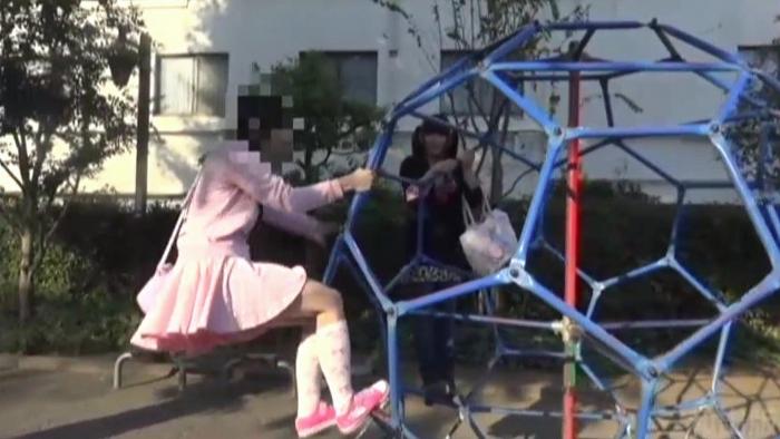 【動画】紙オムツ散歩とエッチなおむつ交換・ロリ少女×女装子67