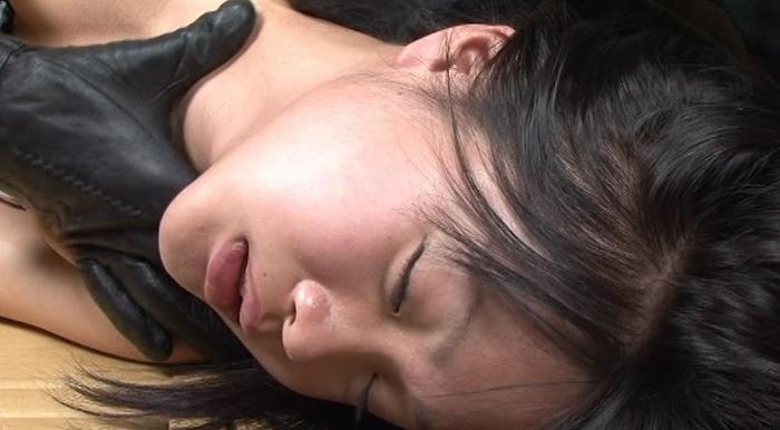 皮手袋に軋み遮断と記憶の喉11