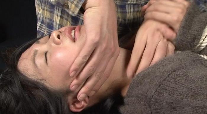 皮手袋に軋み遮断と記憶の喉3