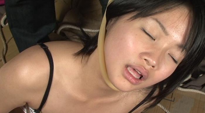 皮手袋に軋み遮断と記憶の喉8