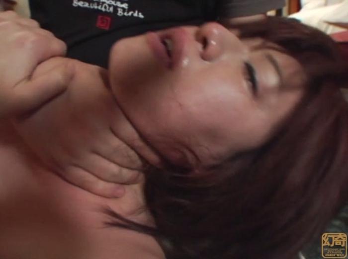 悪徳首絞め面接に泣き崩れるセレブな若妻13