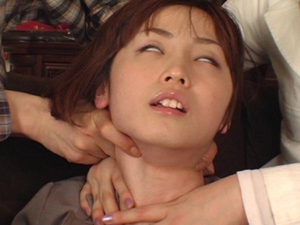 首絞めマニア集団の執拗な絞め手5