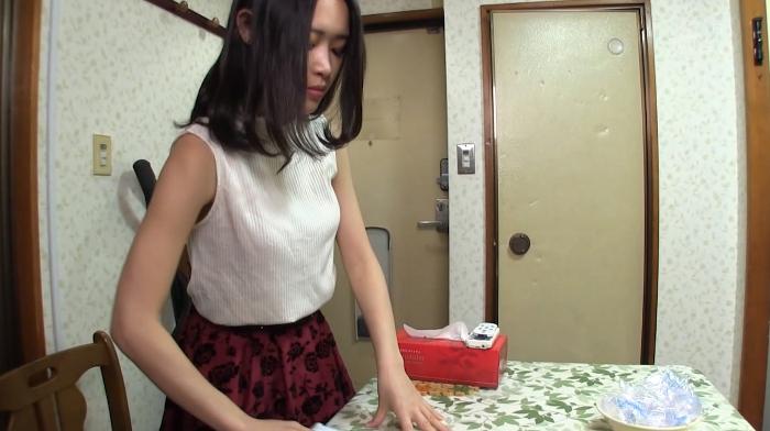 アパート暮らしの大便塗り喰いゲロまんずり女1