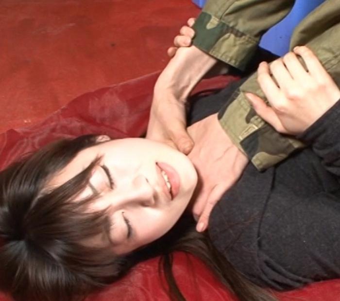 首の圧迫と股から大量の愛液11
