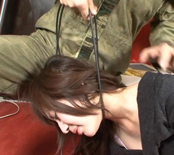 首の圧迫と股から大量の愛液7