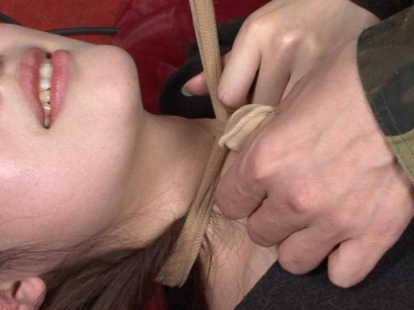 首の圧迫と股から大量の愛液9