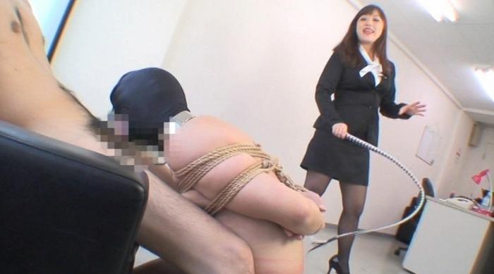 フェラチオ奴隷 プロとして認められるまでフェラチオをトレーニング! 監視員 夢月誠女王様11